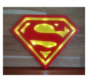 Luminoso Super-Homem